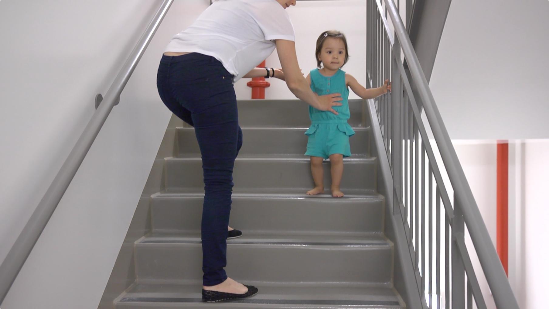 d veloppementenfant mieux agir au quotidien au quotidien stimulation de 12 24 mois. Black Bedroom Furniture Sets. Home Design Ideas